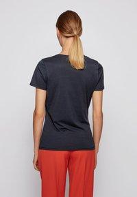BOSS - C_ELOGO_ECOM - Print T-shirt - open blue - 2