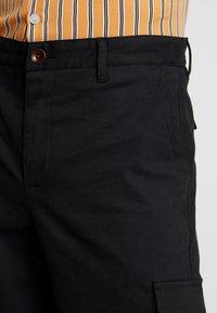 Suit - Pantaloni cargo - black - 3