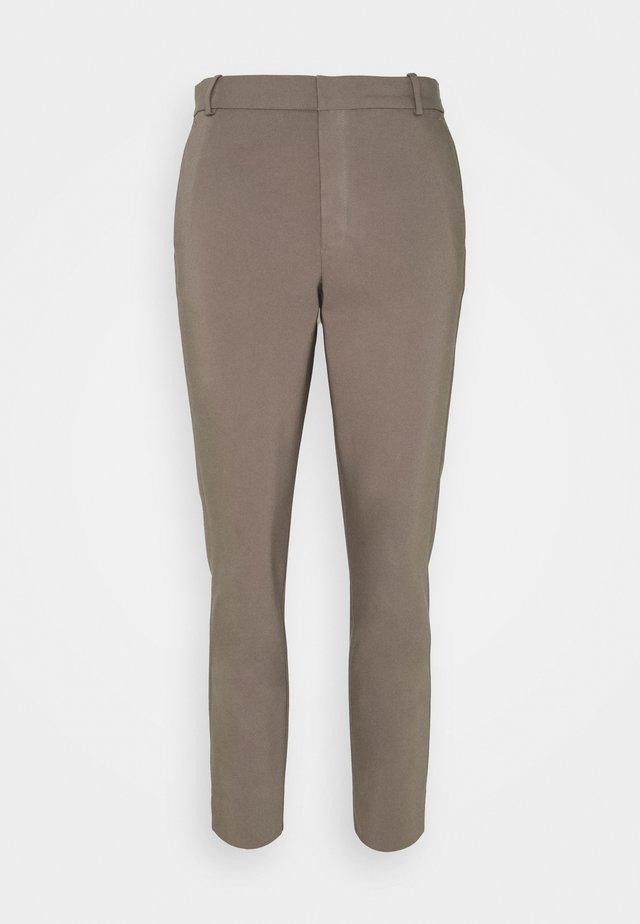 ZELLA PANT - Chino - sandy grey