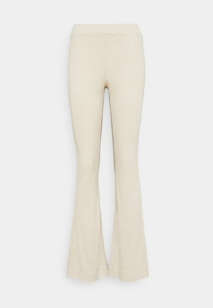 VMKAMMA FLARED NIKA PANT - Broek - birch