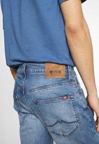 Mustang - OREGON - Bootcut jeans - denim blue - 5
