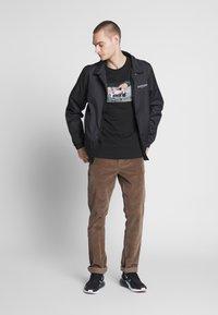 Mister Tee - BIG PIMPIN TEE - T-Shirt print - black - 1