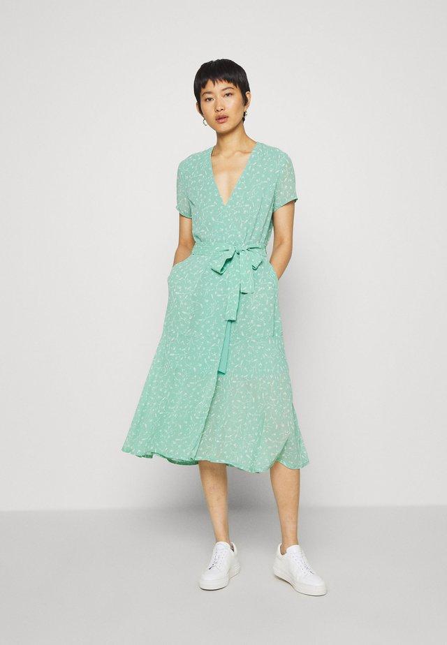 KLEA LONG DRESS  - Hverdagskjoler - feuilles menthe