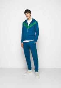 Paul Smith - GENTS PRINTED SIDE STRIPE JOGGER - Tracksuit bottoms - green - 1