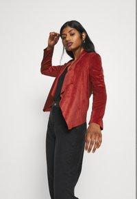 ONLY Petite - ONLFLEUR JACKET PETITE - Faux leather jacket - red ochre - 3