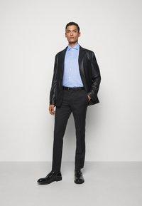 HUGO - KASON - Formal shirt - light pastel blue - 1