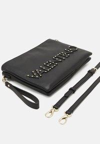 Valentino Bags - PIPER - Across body bag - nero - 3
