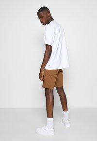 Levi's® - TAPER  - Shorts - dachshund - 2