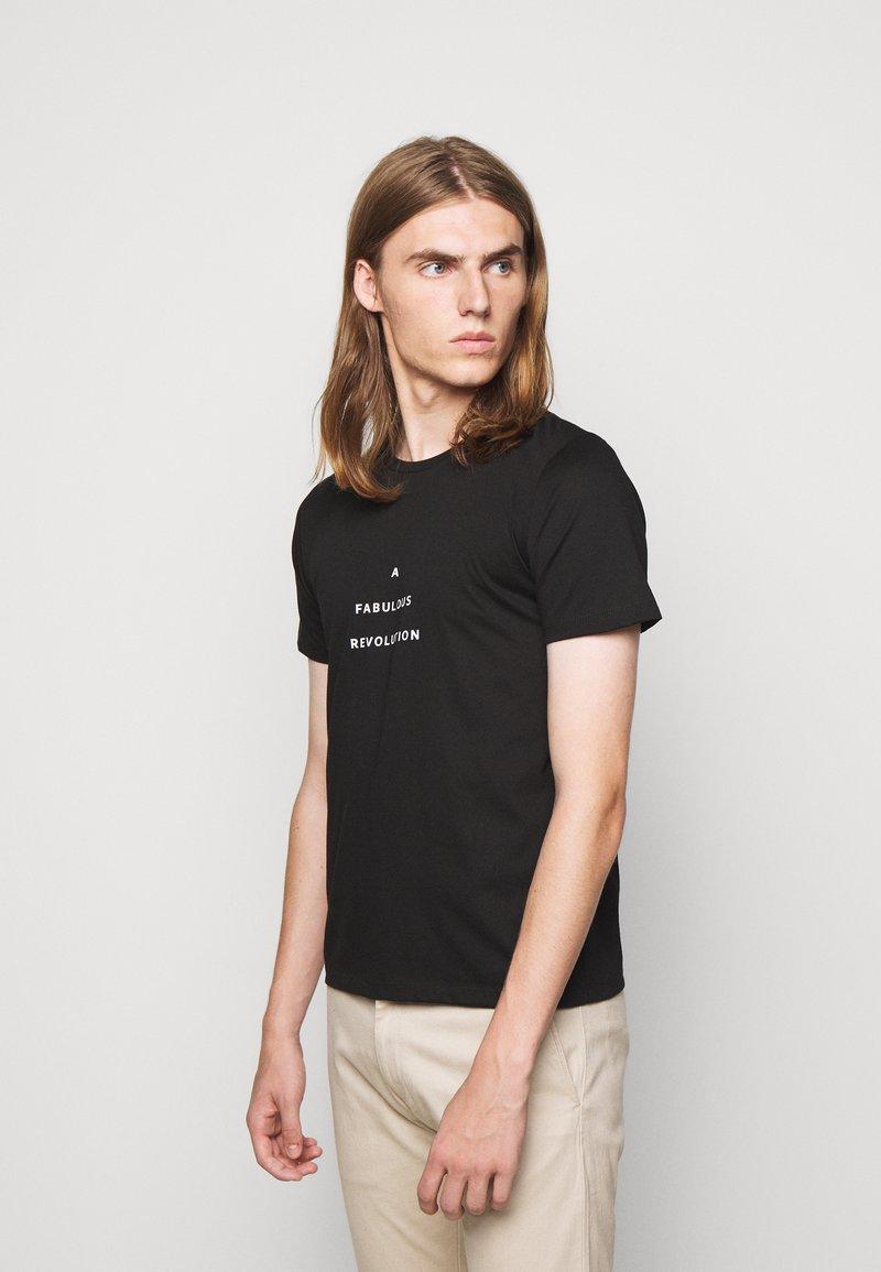 Progetto Quid - UNISEX MENTA - T-shirt med print - black