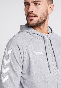 Hummel - ZIP HOODIE - Zip-up hoodie - grey melange - 3