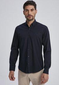 Auden Cavill - Shirt - schwarz - 0