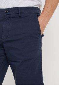 BOSS - LIEM - Shorts - navy - 3