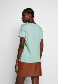 Marc O'Polo - SHORT SLEEVE CREW NECK - Triko s potiskem - misty spearmint - 2
