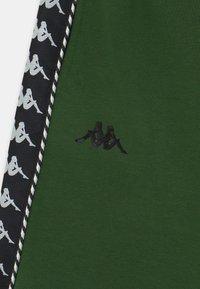 Kappa - ITALO UNISEX - Sports shorts - greener pastures - 2
