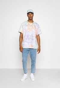 Only & Sons - ONSAVI BEAM LIFE CROP - Relaxed fit jeans - blue denim - 1