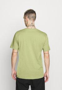 Makia - BRAND - Printtipaita - light green - 2