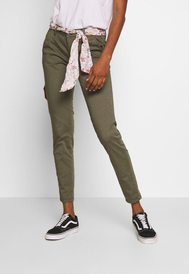 LIDY - Pantalones - lizard