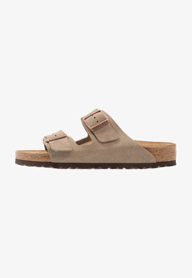 ARIZONA SOFT FOOTBED NARROW FIT - Pantolette flach - taupe