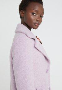 Sand Copenhagen - COLD DYED CLARETA LONG - Classic coat - soft purple - 4