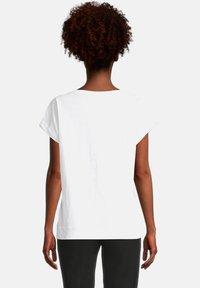 Cartoon - Print T-shirt - white/gold - 2
