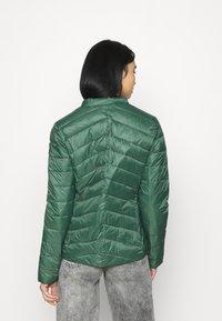 Roxy - COAST ROAD - Light jacket - cilantro - 2
