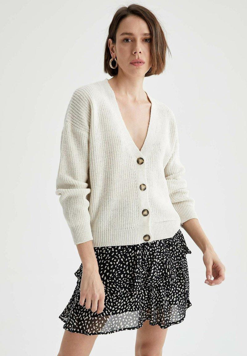 DeFacto - Cardigan - white
