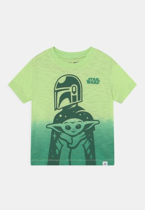TODDLER BOY GRAPHICS MANDOLORIAN THE CHILD STAR WARS - Print T-shirt - green
