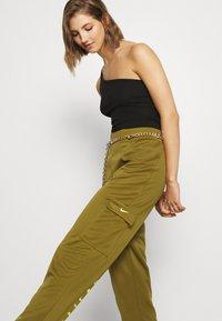 Nike Sportswear - W NSW SWSH - Trousers - olive flak - 3