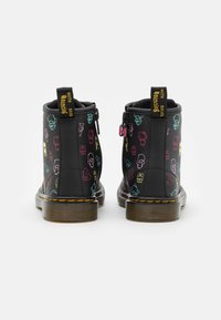 Dr. Martens - 1460 HELLO KITTY & FRIENDS UNISEX - Lace-up ankle boots - black hydro - 2