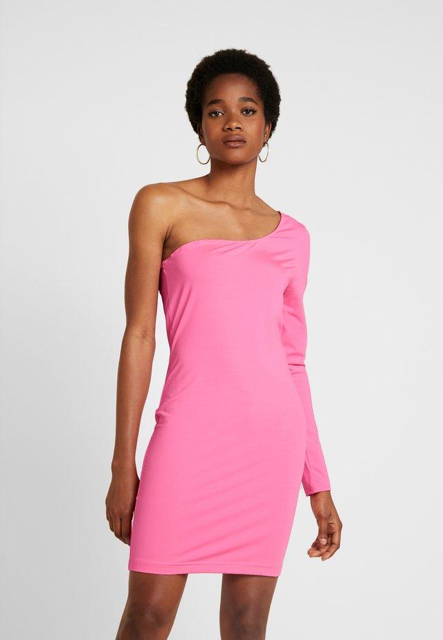 BELLA ONE SHOULDER DRESS - Sukienka etui - neon pink