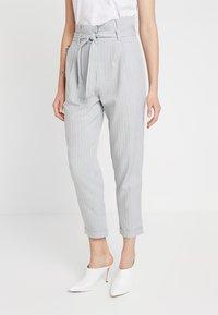 KIOMI - Trousers - white/grey - 0