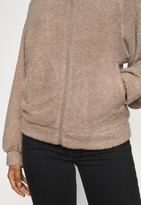 Vila - VIPIP BLOUSON - Winter jacket - simply taupe - 5