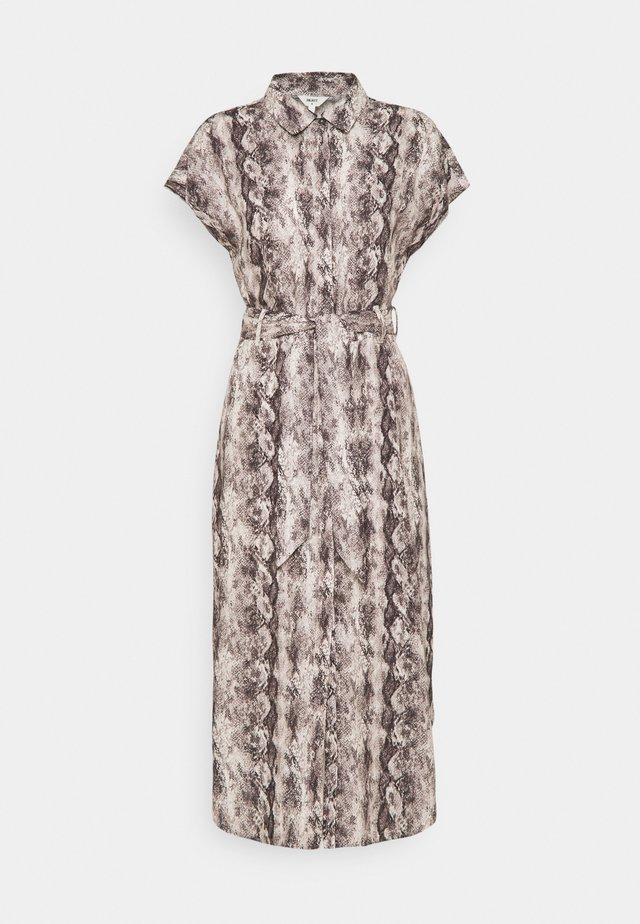 OBJHANNAH PALM DRESS - Sukienka koszulowa - sandshell