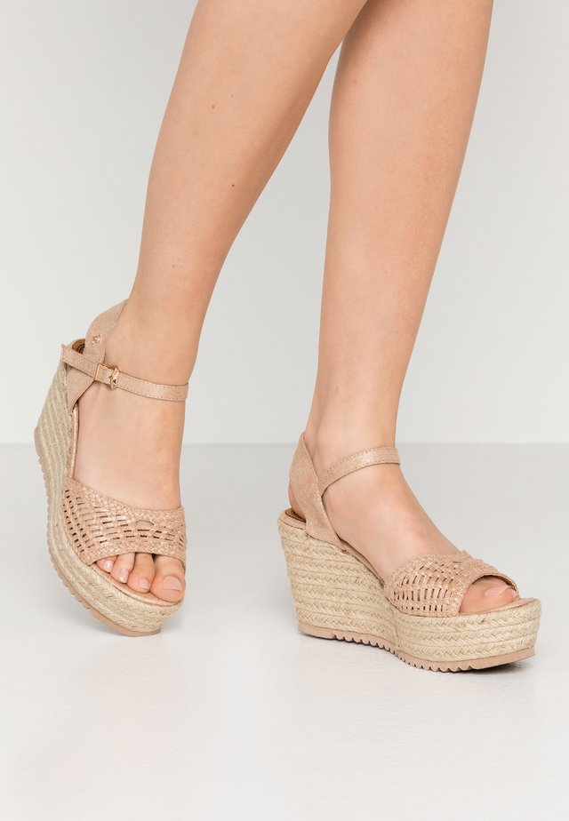 Sandali con tacco - nude