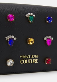 Versace Jeans Couture - JEWELS CROSSBODY - Across body bag - nero - 5