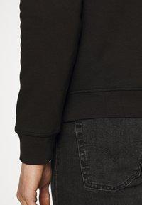 Tommy Hilfiger - STACKED FLAG CREWNECK - Sweatshirt - black - 5