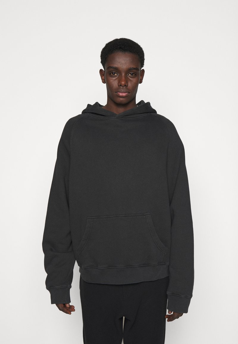 oftt - HEAVYWEIGHT HOODED RAGLAN - Huppari - fade out black
