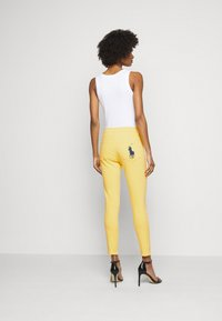Polo Ralph Lauren - RIELLA - Jeans Skinny Fit - yellow - 2