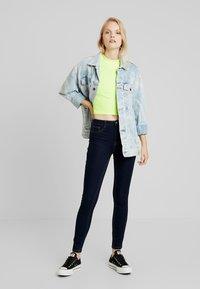 ONLY - ONLFHI MAX LIFE BOX - Jeans Skinny Fit - dark blue denim - 1
