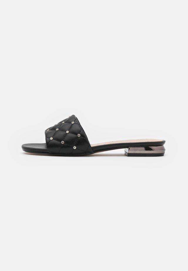 AGATA  - Pantofle - black