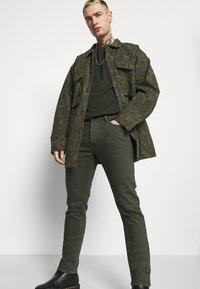 Diesel - LUSTER - Slim fit jeans - green - 3