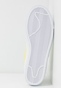 Nike Sportswear - BLAZER  - Baskets montantes - white/lemon/pure platinum/fossil/sail - 4