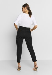 Gina Tricot - COMFY MOM - Relaxed fit jeans - black - 2