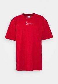 Karl Kani - SMALL SIGNATURE TEE UNISEX - Print T-shirt - dark red - 3