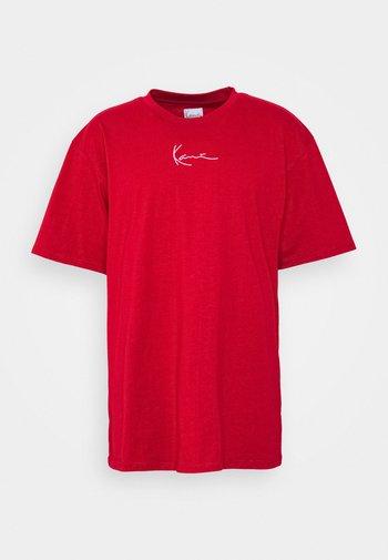 SMALL SIGNATURE TEE UNISEX - Print T-shirt - dark red