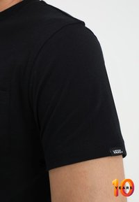 Vans - MN OTW CLASSIC - Print T-shirt - black white - 3