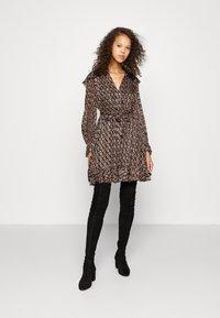 maje - RINETTE - Denní šaty - noir - 1
