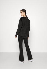 adidas Originals - CREW SWEATER  - Sweatshirt - black - 0