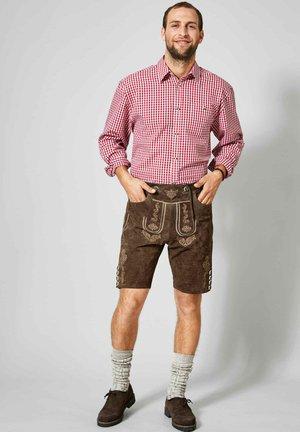 mit Hosenträgern - Leather trousers - braun