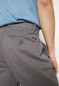 TOM TAILOR - STRUCTURE  - Trousers - castlerock grey - 4